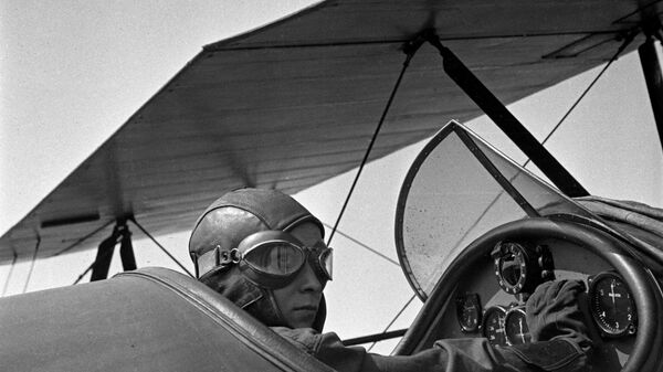Из серии Если завтра война....  Подготовка летчиков военной авиации в летных школах.