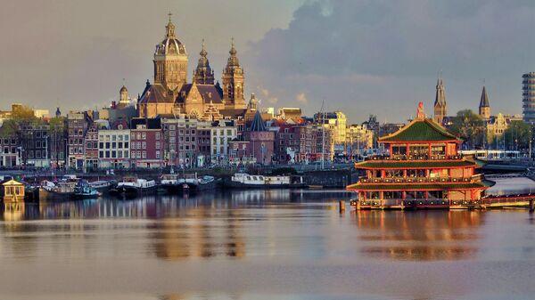 Гавань в Амстердаме, Нидерланды