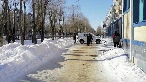 Полиция на месте захвата заложников в Северодвинске. Кадр видео