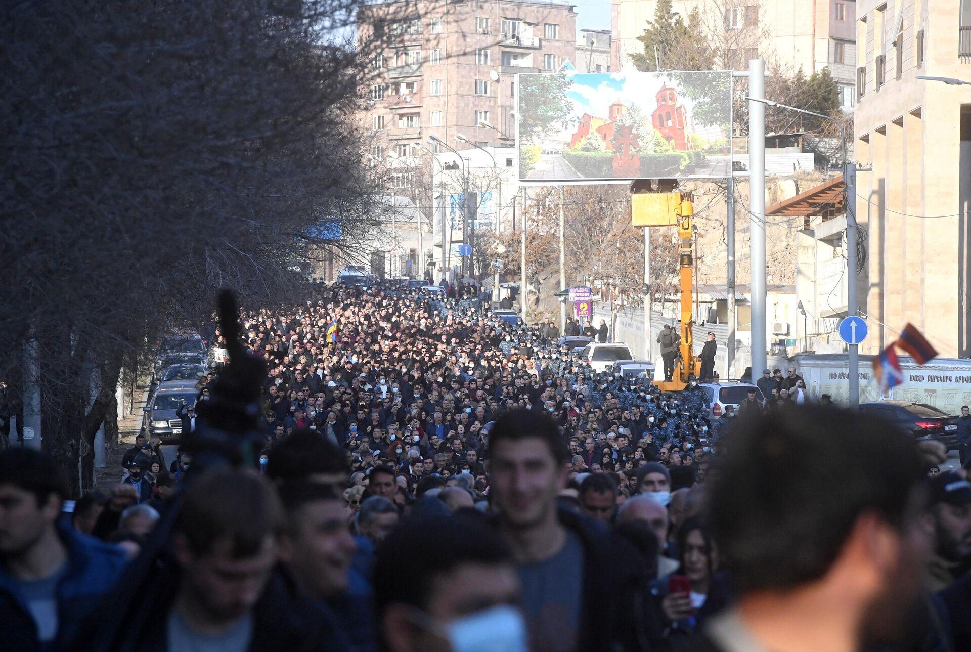 Участники митинга оппозиции в Ереване - РИА Новости, 1920, 06.04.2021