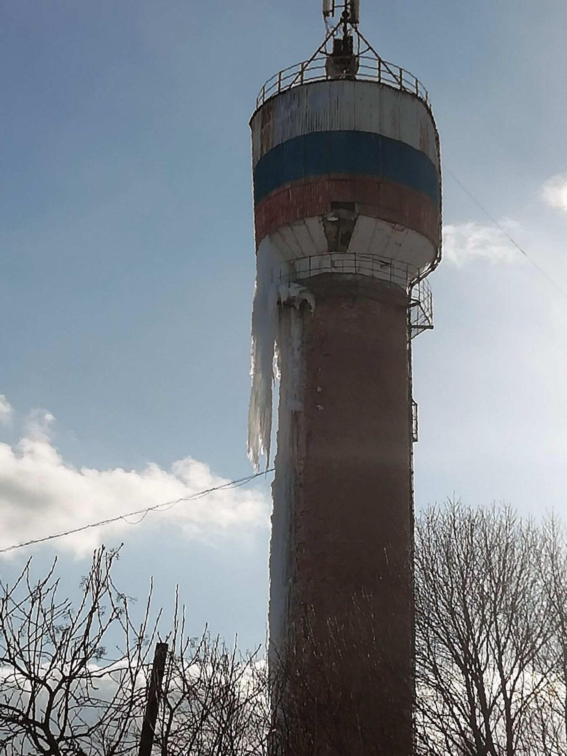 Водонапорная башня вот-вот рухнет - РИА Новости, 1920, 11.03.2021