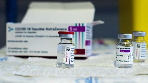 В Берлине приостановили использование вакцины AstraZeneca