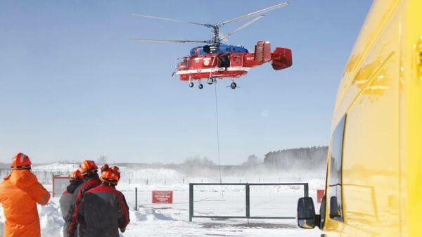 Совместная тренировка Пожарно-спасательного центра и пилотов Московского авиационного центра по доставке вертолетом и применению насосной станции в случае возникновения угрозы подтоплений