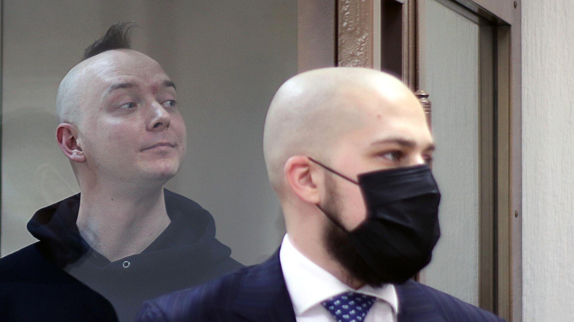 Сафронов счел задержание Павлова попыткой оказать на него давление