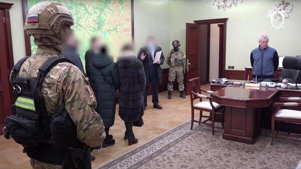 Кадр видео задержания губернатора Пензенской области Ивана Белозерцева