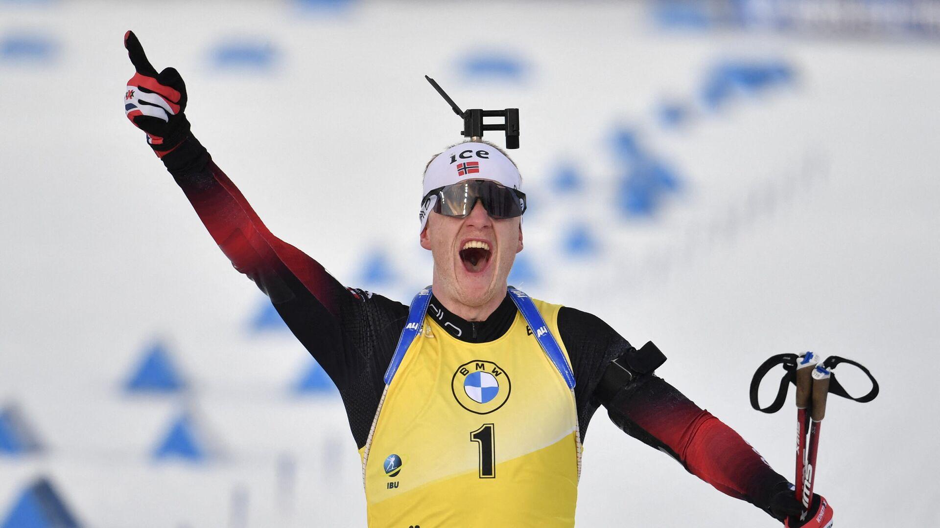 Йоханнес Бё на финише заключительной гонки сезона-2020/2021 - РИА Новости, 1920, 21.03.2021