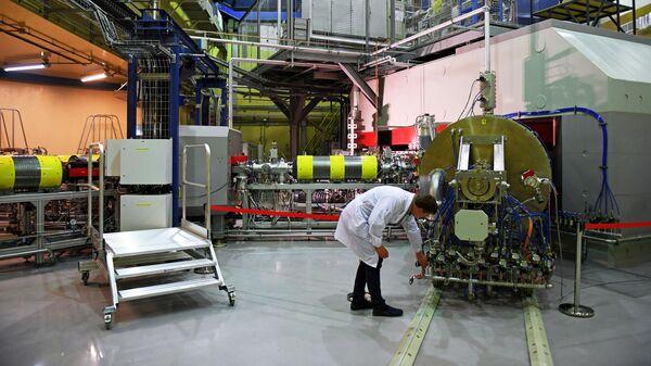 Запуск циклотрона ДЦ-280 в Объединенном институте ядерных исследований (ОИЯИ) в Дубне