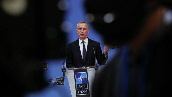 Генеральный секретарь НАТО Йенс Столтенберг на пресс-конференции по итогам встречи глав МИД стран НАТО в Брюсселе