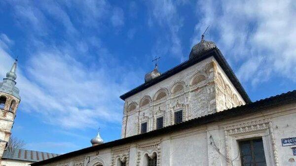 Следователи проводят проверку на месте падения купола Воскресенского собора в Новгороде. Кадры СК