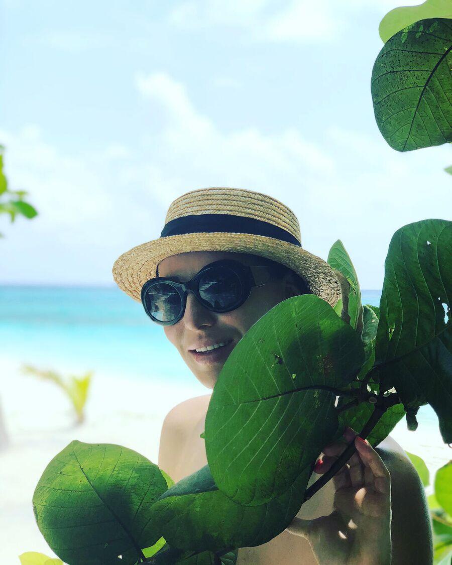 Алика Смехова на Мальдивах