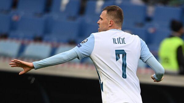 Игрок сборной Словении Йосип Иличич в матче отборочного турнира чемпионата мира по футболу 2022 между сборными командами России и Словении.