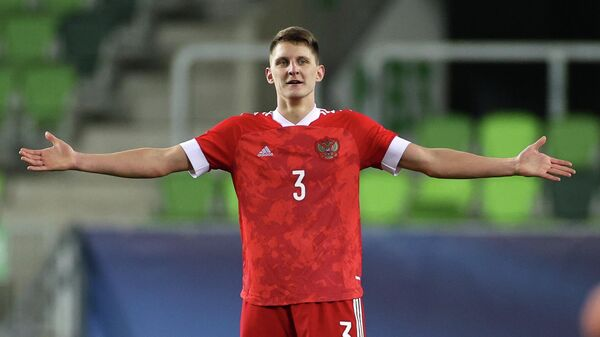 Игрок сборной России Игорь Дивеев в матче молодежного чемпионата Европы по футболу между сборными России и Франции.