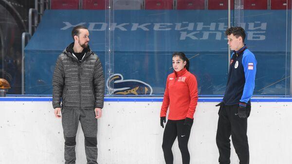 Федор Климов (слева), Карина Акопова и Никита Рахманин