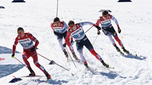 Россиянин Александр Большунов и норвежцы Ховард Таугбель, Эрик Вальнес и Йоханнес Клебо