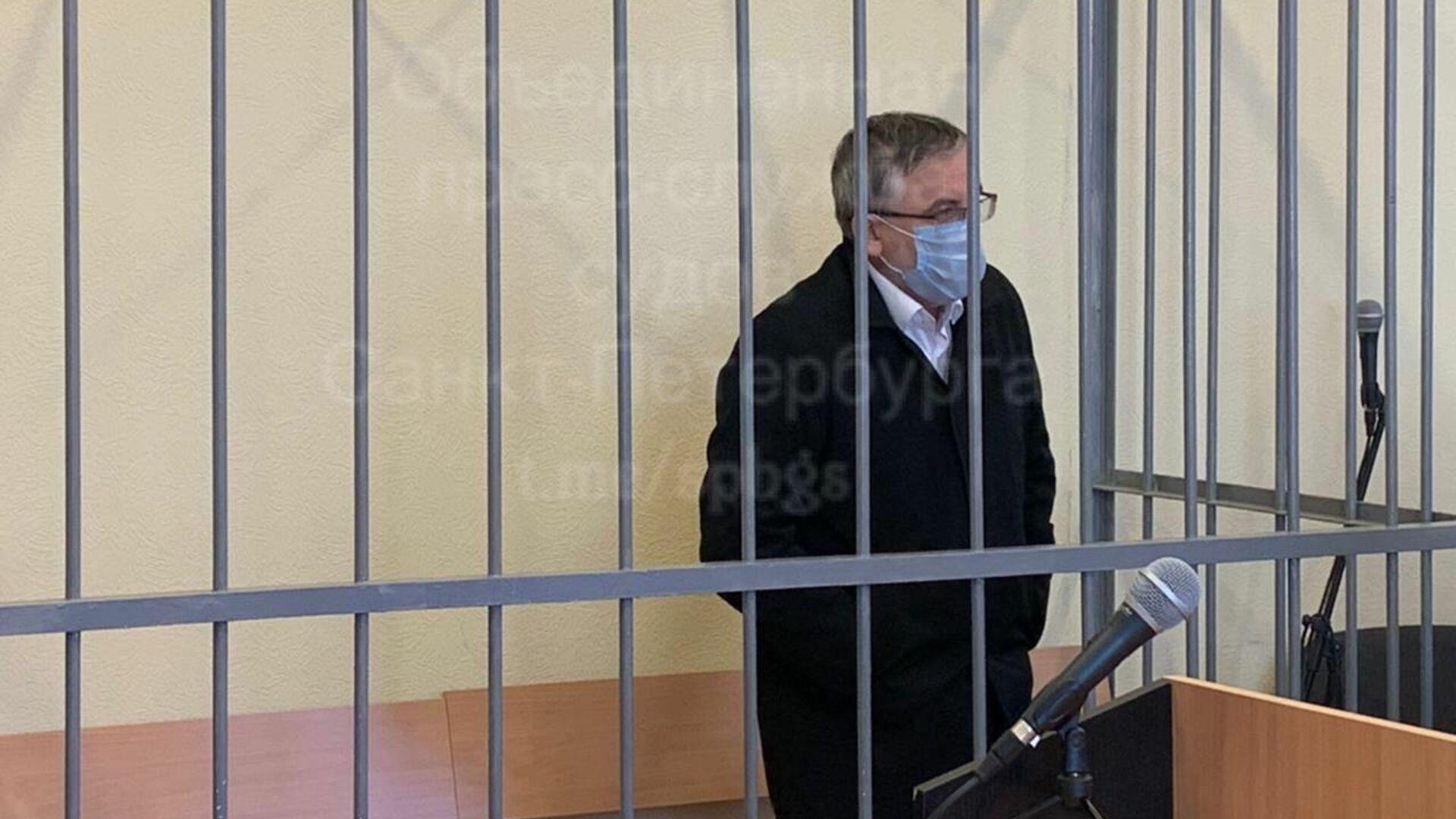 Обвиняемый в убийстве жены врач из Петербурга заявил о давлении следствия