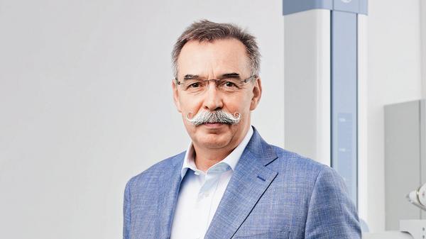 Основатель компании Инвитро врач-реаниматолог Александр Островский
