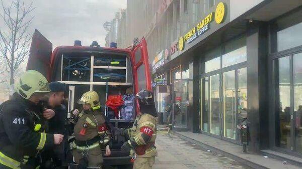 Кадры пожара офисного здания на Зубовском бульваре