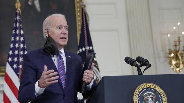 Президент США Джо Байден во время брифинга в Вашингтоне