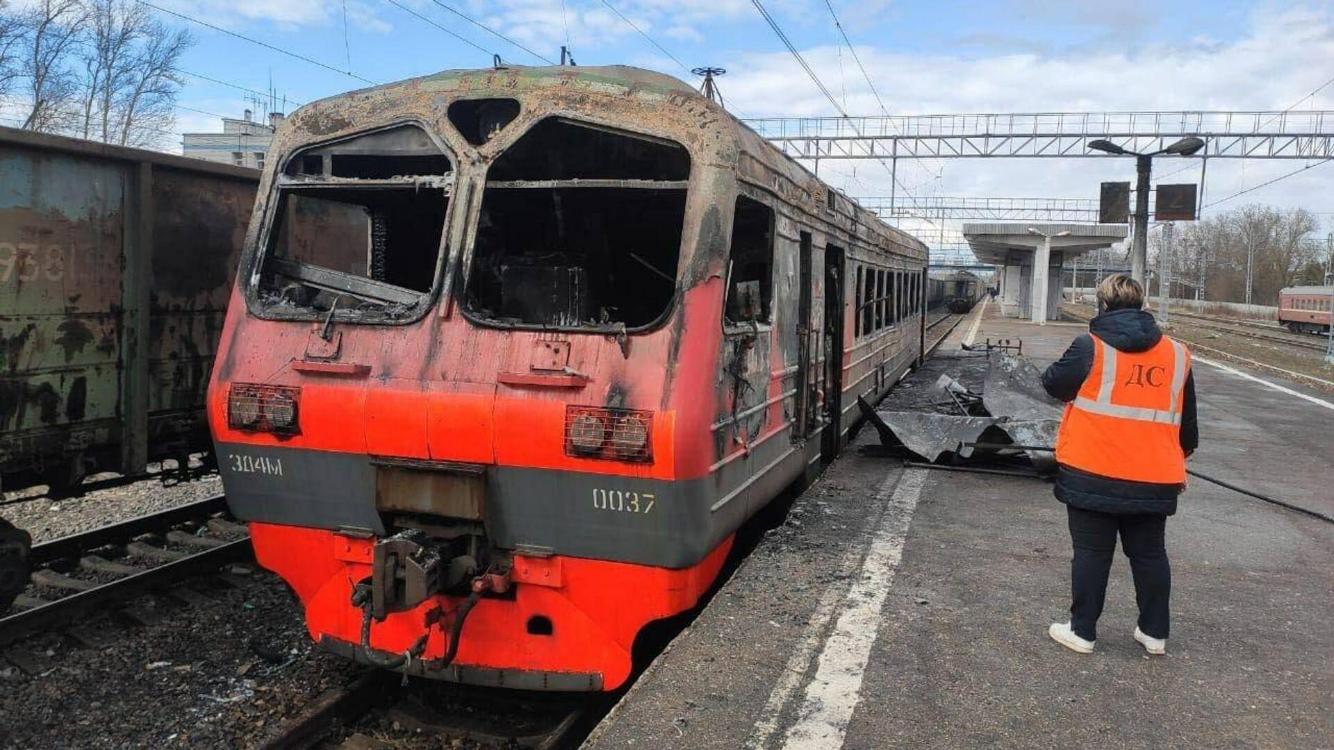 На месте пожара на станции Малоярославец в Калужской области - РИА Новости, 1920, 04.04.2021