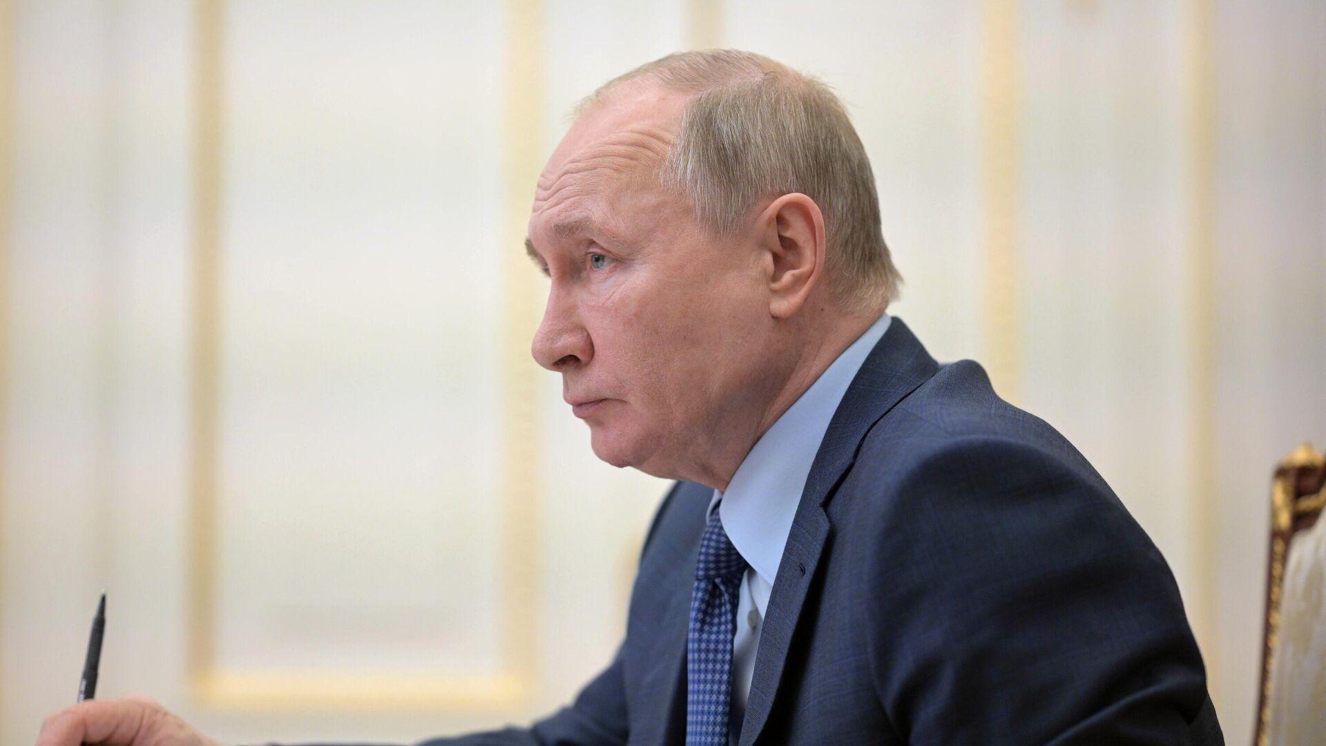 Президент РФ Владимир Путин проводит совещание о реализации посланий президента 2019 и 2020 годов - РИА Новости, 1920, 08.04.2021
