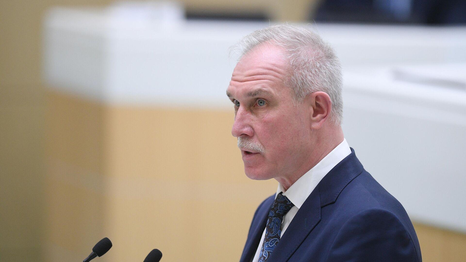 Путин оценил работу бывшего главы Ульяновской области Морозова