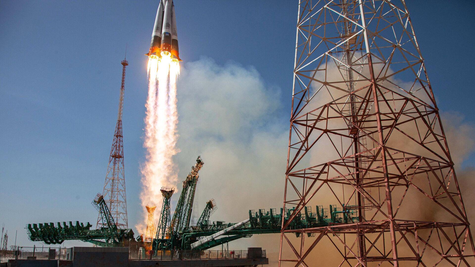 Запуск ракеты-носителя Союз-2.1а с кораблем Союз МС-18 с космодрома Байконур - РИА Новости, 1920, 23.04.2021