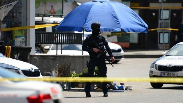 Полиция на месте нападения на банк в Тбилиси