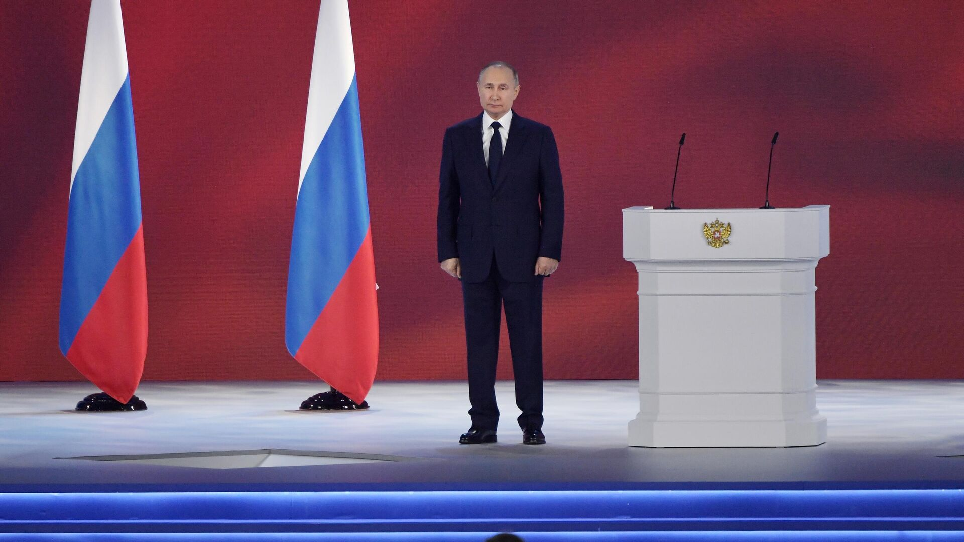 Путин призвал продолжить устранение архаичных барьеров, мешающих бизнесу