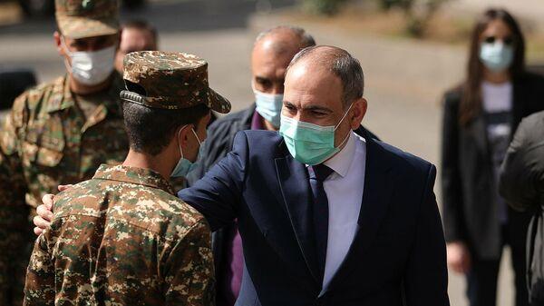 Премьер-министр Никол Пашинян посетил военную часть Минобороны в рамках визита в Сюникскую область
