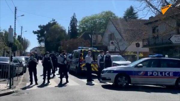 Полиция на месте атаки во французском городе Рамбуйе