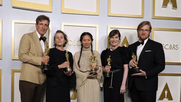 Обладатели премии Оскар за лучший фильм Страна кочевников