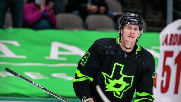 Игрок клуба НХЛ Даллас Старз Денис Гурьянов