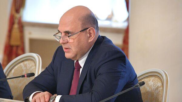 Председатель правительства РФ Михаил Мишустин во время встречи с исполняющим обязанности премьер-министра Армении Николом Пашиняном