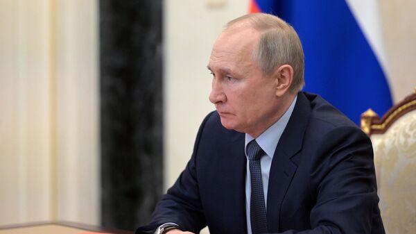 Путин поручил ввести квоты выбросов в поселениях с загрязненным воздухом