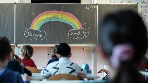 Урок в начальной школе в Дрездене после локдауна