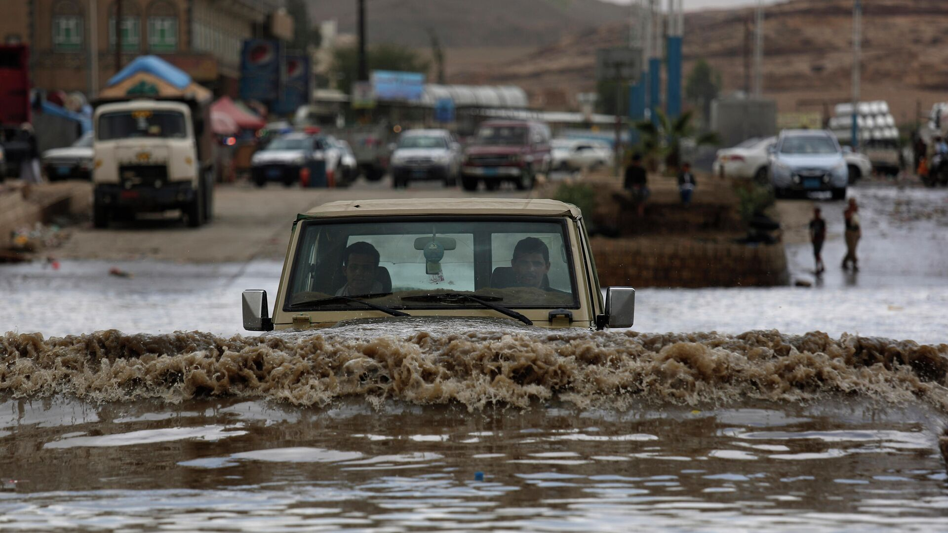 Наводнение, вызванное проливными дождями, в Йемене - РИА Новости, 1920, 03.05.2021
