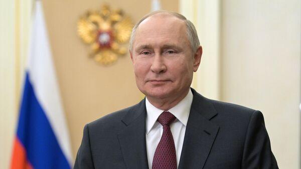 Путин наградил сотрудников Роспотребнадзора Москвы за борьбу с COVID-19