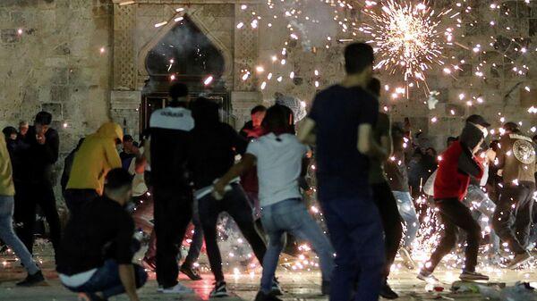 Столкновения возле мечети Аль-Акса в Иерусалиме