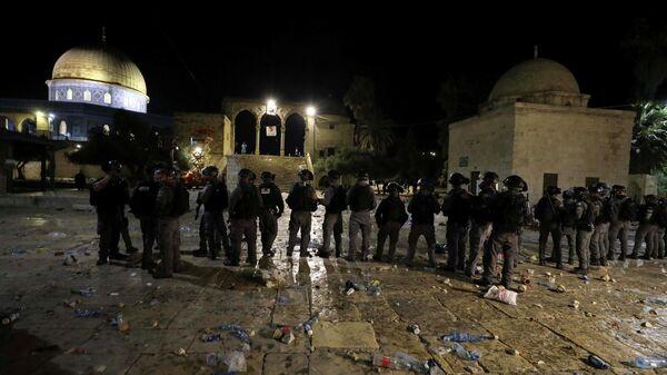 Полиция на месте столкновений возле мечети Аль-Акса в Иерусалиме