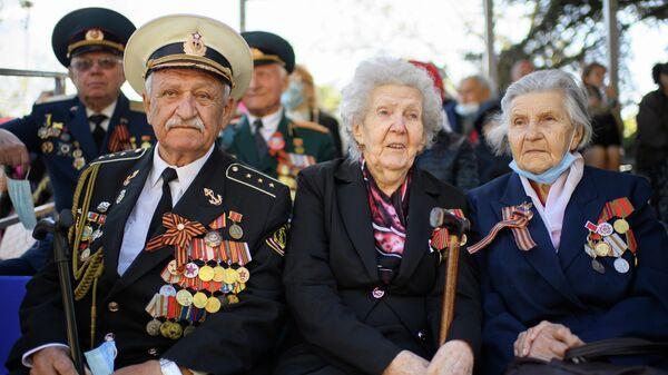Ветераны Великой Отечественной войны военном параде в честь 76-й годовщины Победы в Севастополе