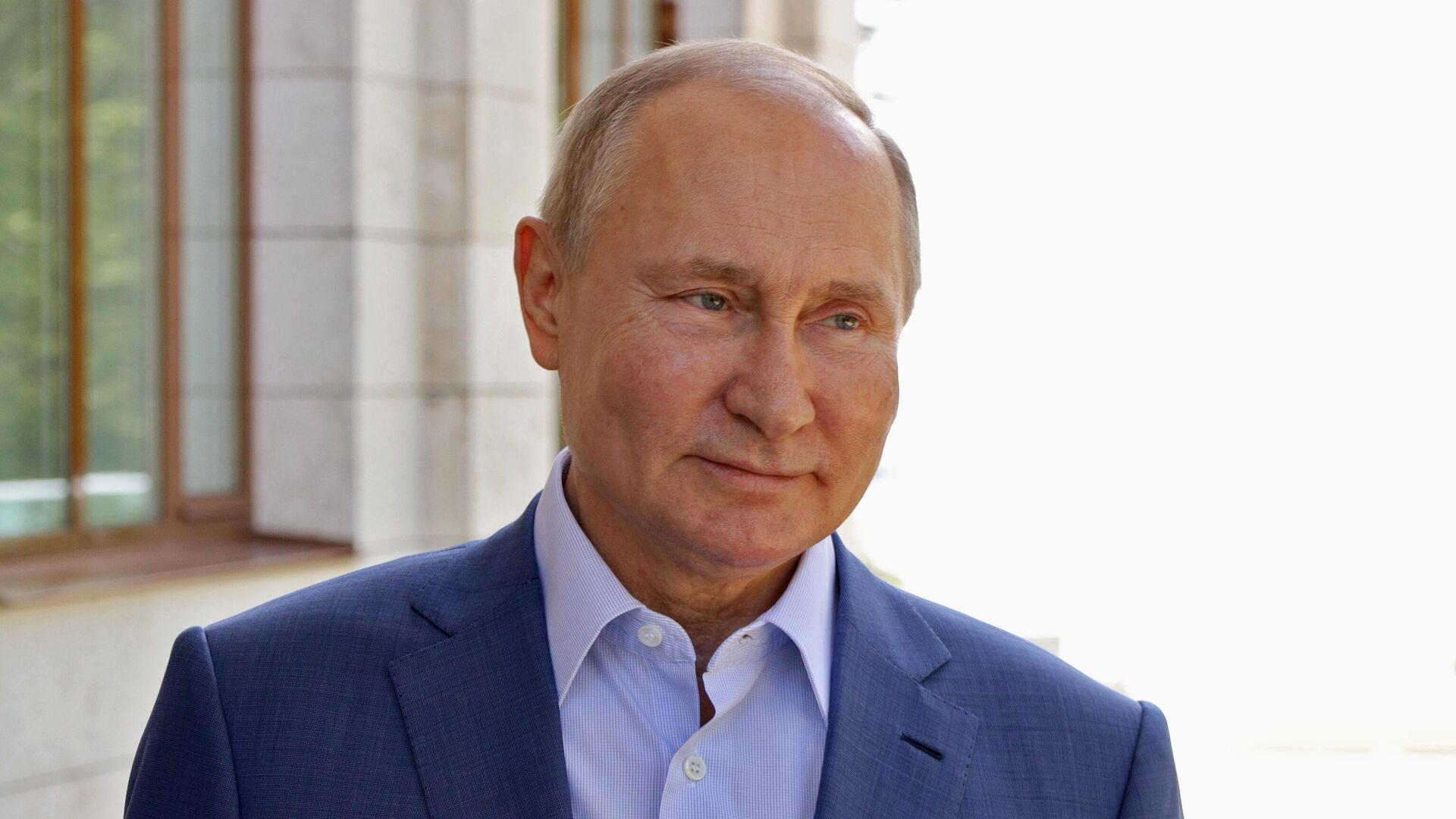Президент РФ Владимир Путин в Сочи. 10 мая 2021 - РИА Новости, 1920, 13.05.2021