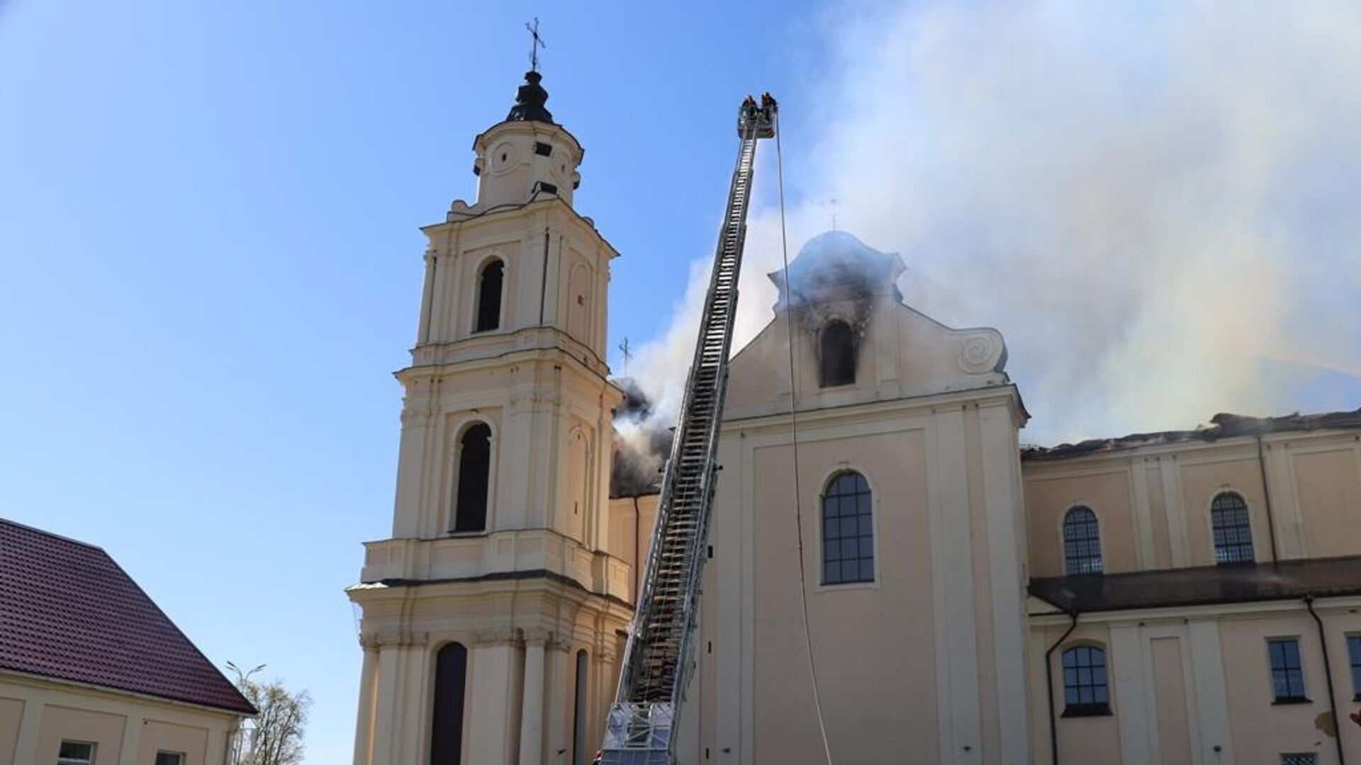 Возгорание в костеле в Будславе - РИА Новости, 1920, 11.05.2021