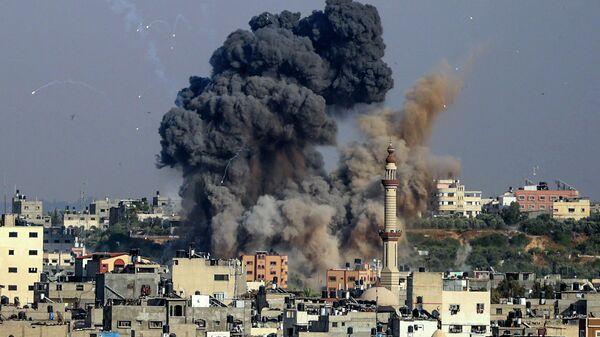 Авиаудар, нанесенный Израилем по объекту движения ХАМАС в секторе Газа. 11 мая 2021