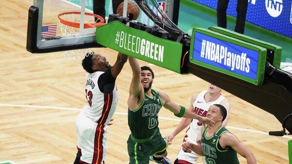 Игровой момент матча НБА Майами Хит - Бостон Селтикс
