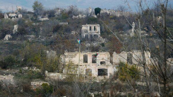 Разрушенные здания в Физули