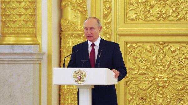 В Кремле началось вручение наград лауреатам госпремии