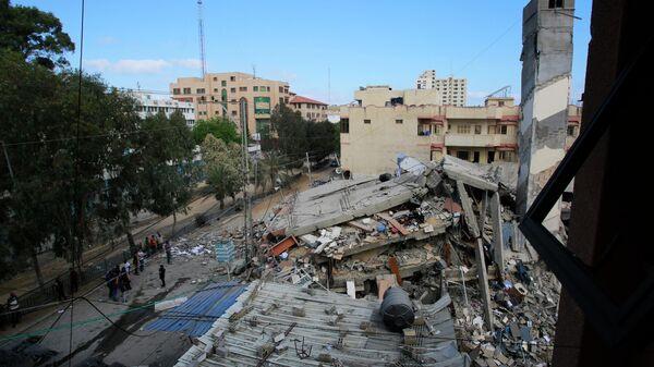 Разрушенные в результате бомбардировки здания в секторе Газа