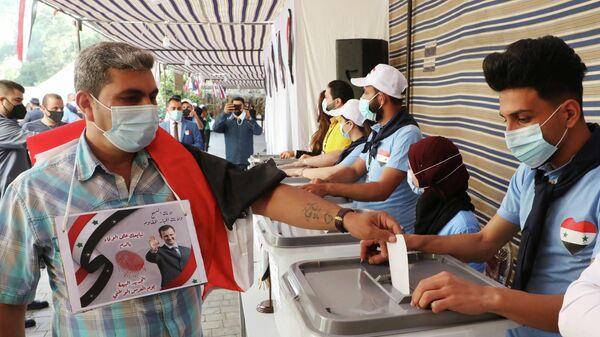Досрочное голосование перед президентскими выборами 26 мая в посольстве Сирии, Ливан