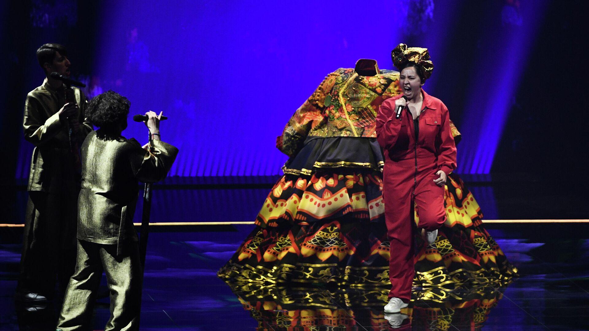 Шнуров назвал запреты Киева на въезд российских артистов нелепостью