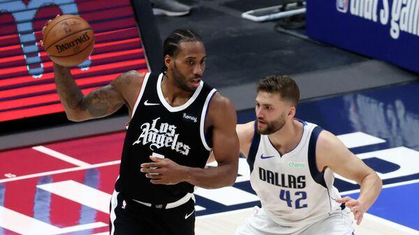 Матч плей-офф НБА между командами Даллас Маверикс и Лос-Анджелес Клипперс